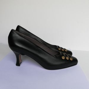 Phyllis Poland Vintage Italian Shoes / Gold Accent